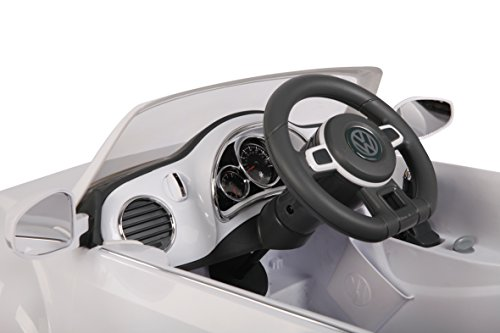 RC Auto kaufen Kinderauto Bild 4: Jamara 460220 - Ride-on VW Beetle weiß 27MHz 6V - Leistungsstarker Antriebsmotor und Akku, Ultra-Gripp Gummiring am Antriebsrad, LED-Scheinwerfer, Fahrertür lässt sich öffnen, Hupe und Sound*