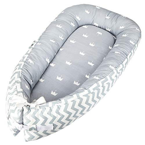 Luchild Baby Nest Riduttore Per Letto Culla Sacco Nanna per Neonati, Multifunzionale lettino da viaggio (strip gray)
