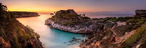 Voss Fine Art Photography - Fotografía sobre aluminio Dibond en la playa de la bahía Cala Moro en la isla Mallorca justo antes del amanecer