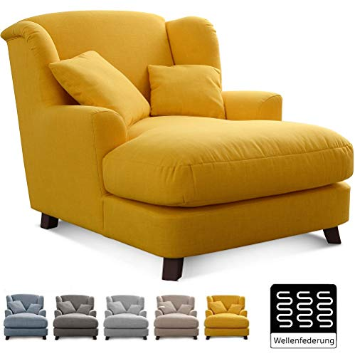 Cavadore XXL-Sessel Assado / Großer Polstersessel mit Holzfüßen und großer Sitzfläche / Inkl. 2 Zierkissen / 109 x 104 x 145 / Flachgewebe Gelb