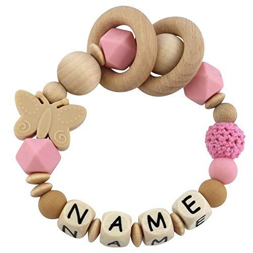 Greifling mit Namen aus Holz und Silikon mit Häkelperle - Schmetterling rosa