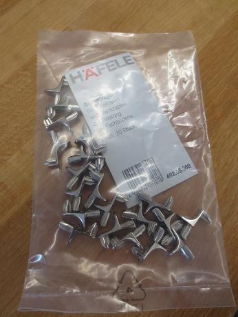Häfele Regalbodenträger 5 mm 20 Stück mit 2 Keilnasen metall Regalhalter Bodenträger Regal