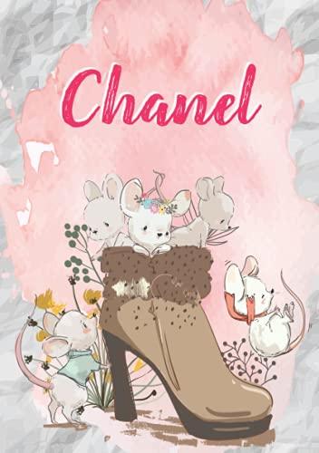 Chanel: Carnet de notes A5   Prénom personnalisé Chanel   Cadeau d'anniversaire pour fille, femme, maman, copine, sœur   Souris mignonnes en bottes   120 pages lignée, Petit Format A5 (14.8 x 21 cm)