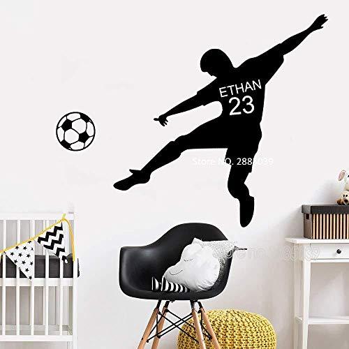 Nombre y número personalizado de niño de fútbol para niños y adolescentes etiqueta de la pared de la habitación fútbol silueta vinilo mural decoración de la pared calcomanía M 76cmX42cm