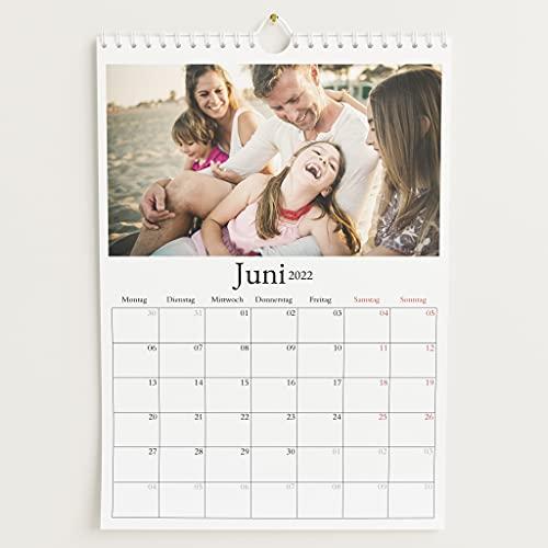 sendmoments Fotokalender 2022 mit Relieflack, Schönes Jahr, Wandkalender mit persönlichen Bildern, Kalender für Digitale Fotos, Spiralbindung, DIN A4 Hochformat