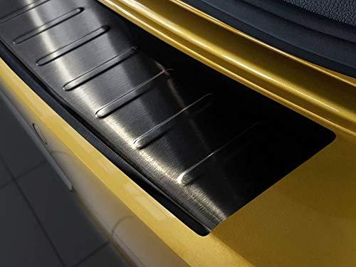 Fahrzeugspezifischer Ladekantenschutz aus Edelstahl in schwarz mit 3D Abkantung AZ30000003