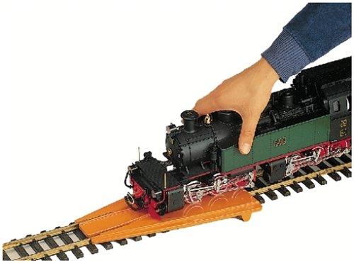 LGB – Aufgleisgerät – L10020, Aufgleishilfe für Spur G Gartenbahn, kinderleichtes Aufgleisen, Zubehör, Spur G