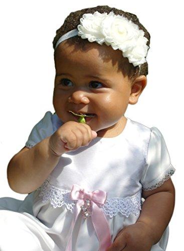 baptême Grace-princess en satin et dentelle avec manches courtes. (68/74, 6–11 mois, Coffre 19,5 en, pas de nœud)