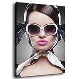Póster de mujer en gafas y bufanda, 30 x 45 cm