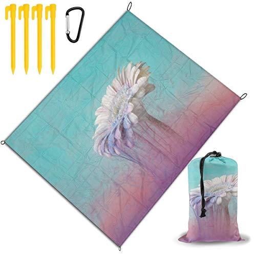 Manta de picnic con diseño de margaritas blancas con tinta azul pastel y rosa para exteriores, manta de picnic para playa, manta de picnic de 67 x 57 pulgadas, impermeable, respaldo antiarena, viajes, senderismo, camping