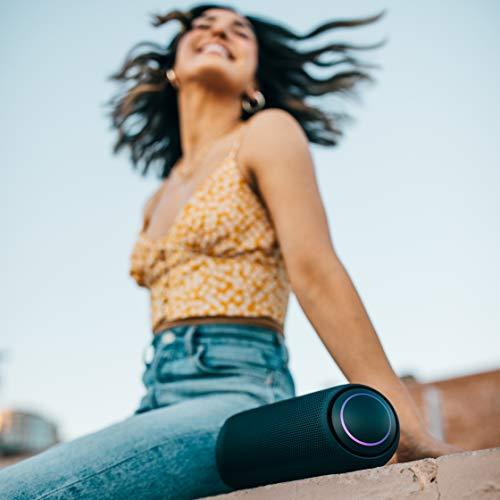 LG XBOOM Go PL7 Tragbarer kabelloser Bluetooth-Lautsprecher mit bis zu 24 Stunden Akkulaufzeit, IPX5 wasserfest, Party-Bluetooth-Lautsprecher, kompatibel mit LG OLED TV, Schwarz