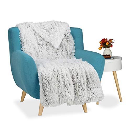 Relaxdays Kuscheldecke Felloptik, Decke Fellimitat, Tagesdecke xxl, Wohndecke flauschig, BxT ca. 220 x 240 cm, weiß-grau