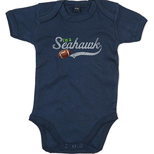 I\'m a Seahawk Premium Babybody American Football Super Bowl NFL Mädchen und Jungen Kurzarmbody, Farbe:Blau (Nautical Navy BZ10);Größe:3-6 Monate