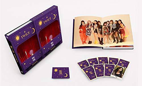 JYP Twice – Monographe 150 p + 9 Cartes Photos + 5 Cartes Photos Double Face supplémentaires