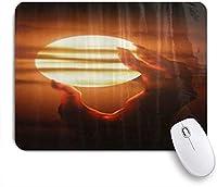 NIESIKKLAマウスパッド デビルハンドキャッチザムーン ゲーミング オフィス最適 高級感 おしゃれ 防水 耐久性が良い 滑り止めゴム底 ゲーミングなど適用 用ノートブックコンピュータマウスマット