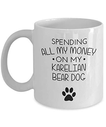 Taza divertida del perro del oso de Carelia - Gastando todo mi dinero en mi perro del oso de Carelia - Idea divertida del regalo de los mejores amigos del amante del perro Regalo de cumpleaños único T