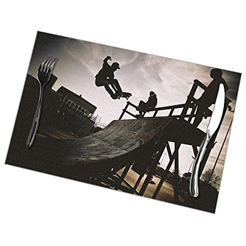 Nar Land Skateboarder Jumping On A Ramp - Manteles Individuales de Moda para Mesa de Comedor, Juego de 6 tapetes de Mesa Resistentes al Calor y Antideslizantes de 12x18 PU