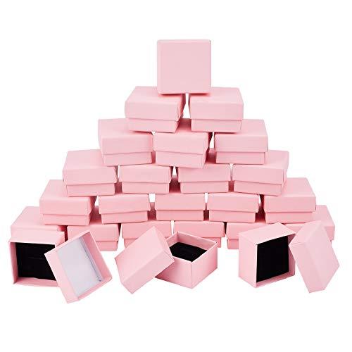 SUPERFINDINGS - Caja de Regalo Cuadrada de Papel de Cartón Rosa para Joyería con Almohadilla de Esponja En el Interior para Collar Pequeño, Anillo, Pendiente, Aniversarios, Bodas, 5.1x5.2x3.15 cm