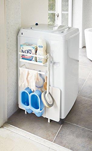 こちらはマグネットタイプの収納ラックの中でも、収納力のあるタイプ。液体洗剤も粉洗剤も、置けるサイズになっています。