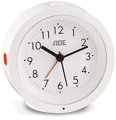 ADE CK 1719 Analoger Wecker (geräuschloser Wecker ohne Ticken mit automatischem Nachtlicht-Sensor und Snooze-Funktion, 10,5 cm Durchmesser, mit Batterie) weiß