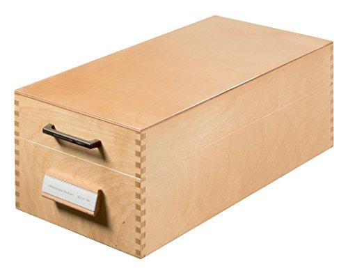HAN Holz-Karteikasten DIN A6 quer – hochwertige Erbstück-Qualität. Mit Beschriftungsfeld, Metallstütze und Metallboden. Für 1.500 Karteikarten, Farbe Naturholz, 1006