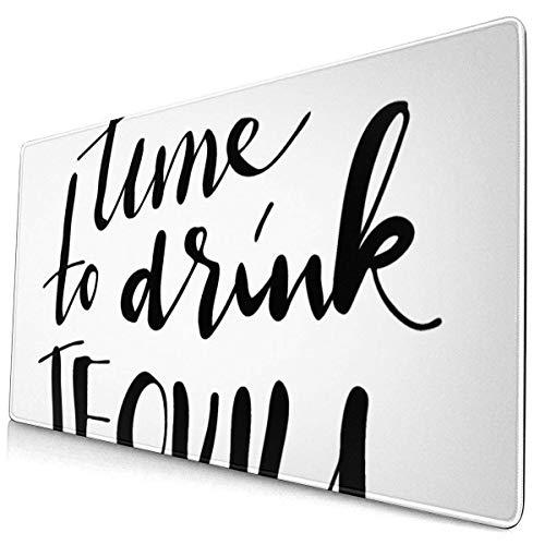 HENTIN Antislip rubberen gamingmuismat, rechthoekig muismat Bier Alcohol Tijd Drinken Tequila Creatieve citaten Handuitdrukking Belettering Bar Drank Zwarte fles