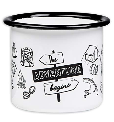 The Adventure Begins - Hochwertige Emaille Tasse mit Outdoor Design, leicht und bruchsicher, für Camping und Trekking - von MUGSY.de
