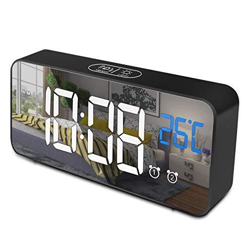 opamoo Sveglia Digitale, Sveglia da Comodino con Display LED 5,9 Pollici Data, Controllo Vocale, Sveglia Digitale da Comodino con 2 Allarme, Luminosità Regolabile, USB Ricaricare, Sistema 12/24 Ore