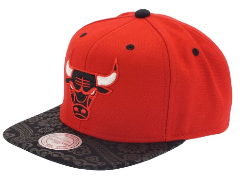 Mitchell And Ness - Casquette Snapback Homme Chicago Bulls Paisley Print - Red/Black