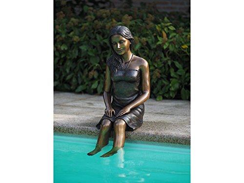 H. Packmor GmbH Figura de bronce de una mujer sentada, decoración de estanque, figura de jardín – 43 x 95 x 30 cm