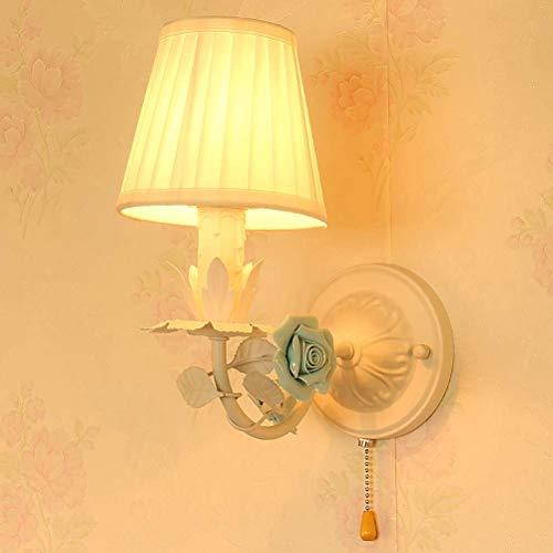 UWY Lámpara de Pared clásica Moderna con Interruptor de Cable de tracción, lámpara de Pared Decorativa de Estilo provenzal, luz de Noche para Dormitorio, Marco de Metal Blanco, Pantalla de Tela,