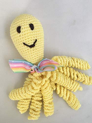 Pulpo de crochet para recien nacidos, pulpo amigurumi para bebés. Color amarillo.