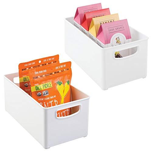 mDesign Juego de 2 cajas organizadoras con asas – Práctico organizador de frigorífico para almacenar alimentos – Contenedor de plástico sin BPA para mueble de cocina o nevera – blanco