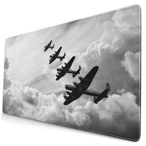 Extra Groß Spiele Mauspad mit Genähten Kanten,Retro-Bild von Lancaster Bomber Jets von der Schlacht Royal Air Force In Clouds Plane,Rutschfest Gummibasis Computer Tastatur...