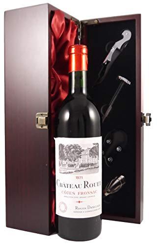 Chateau Rouet 1971 Bordeaux in einer mit Seide ausgestatetten Geschenkbox. Da zu vier Wein Zubehör, Korkenzieher, Giesser, Kapselabschneider,Weinthermometer, 1 x 750ml