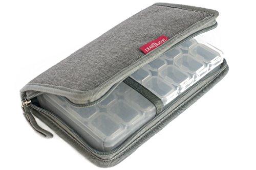LeanTravel Premium 7 Tage Tabletten-Organizer & Reisepassmappe mit 5 Taschen (klein)