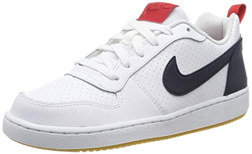 Nike Jungen Court Borough Low Basketballschuhe, Weiß (White/Obsidian/Univ Red/Gum Lt Brown 105), 38 1/2 EU