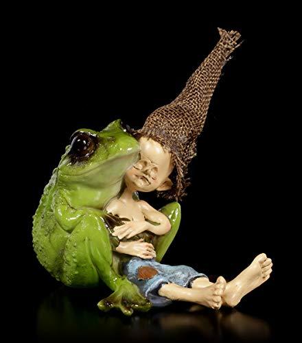 Figuren Shop GmbH Pixie Kobold Fantasy-Figur - Frosch Kuscheln | Zwerg, Gnom, Deko-Figur, Deko-Artikel, Statue, Skulptur, Sammel-Figur, H 13 cm