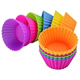 12 x stampini colorati XXL per muffin in silicone in 6 colori vivaci Riutilizzabile, flessibile e resistente al calore da -30 °C a 240 °C. Facile e veloce da pulire e molto salvaspazio: basta impilare! Dimensioni: base 6 cm, sopra 9 cm, altezza 4 cm....
