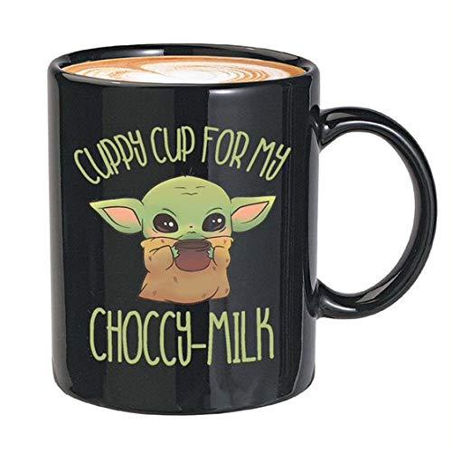 """Kaffeebecher aus dem Film """"The Green Baby Alien Space Child Mando The Force Jedi Lichtschwert Skywalker Serie, Science Fiction"""", 325 ml, Schwarz"""