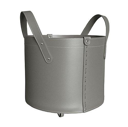 TONDA: Porte bûches en cuir de couleur gris tourterelle, panier pour bûches, chariot à bois.