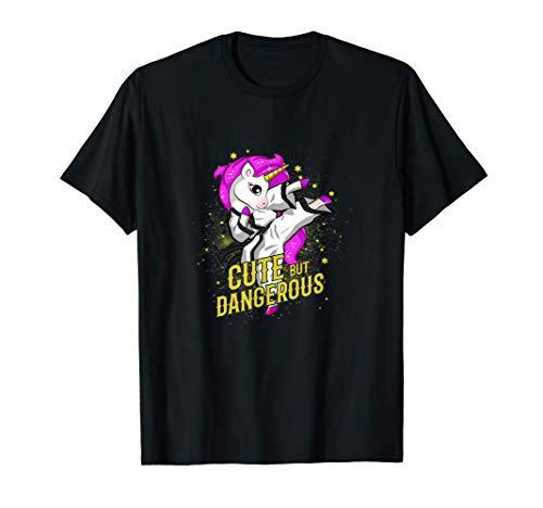 Carina e pericolosa ragazza di arti marziali Unicorno Maglietta