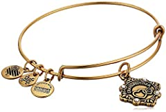 A grandmother's love carries from one generation to the next Perfectly capturing the dignity and peace that a grandmother brings into the lives of her family members are the interlocking hearts displayed at the center of the Alex and Ani grandmother ...