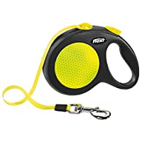 This highly reflective retractable lead offers increased safety for dogs and their owners in all weather conditions. The New Neon M with a 5 m tape offers plenty of freedom of movement and good visibility for extra small dogs up to 25 kg and can be a...