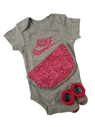 Nike Baby-Set Latz Strampler Socken 3.TLG Girls (Grey/Pink, 0-6 Monate 60-70 cm)
