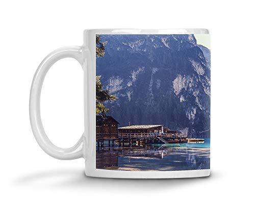 Merchandise for Fans beker van keramiek 's nachts oplichtend/glow in the dark/fluorescerend - motief: Italië Zuid-Tirol Pragser Wildsee in de Dolomieten 02