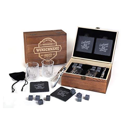 FORYOU24 Genießer Whisky Geschenk Box aus Holz mit Gravur des Namens I 2 Whiskeygläser I 2 Schiefer-Untersetzer I 8 Kühlsteine + Zange I Geschenkidee