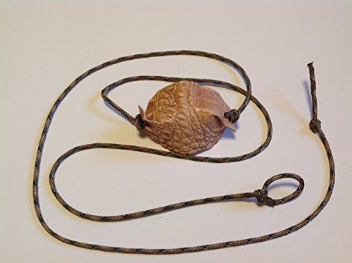 A Sling & A Stone David The Shepherd Schäfertasche aus Alligator-Leder, handgefertigt, Braun, Multi Cam Cords