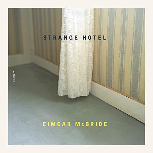 Page de couverture de Strange Hotel