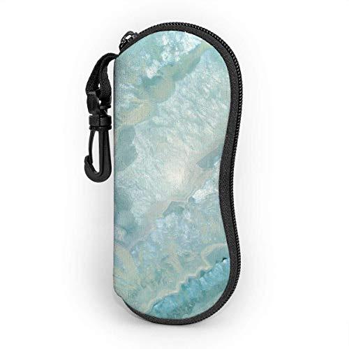 AOOEDM Estuche para gafas con mosquetón, color aguamarina pastel y cristal de ágata verde azulado, ultraligero, portátil, de neopreno con cremallera, estuche blando para gafas de sol